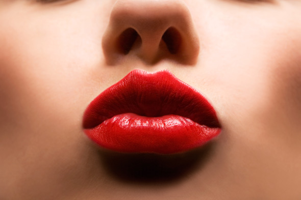 red-lips-woman-face-mouth-590jn011110 - Kissable Lips - Fashion Trend
