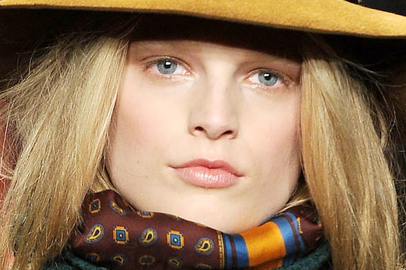 boho makeup. Makeup at Tommy Hilfiger Fall