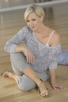 Jennie Garth on Overcoming Shyness, Exfoliating and Who She's Rooting for at the Oscars