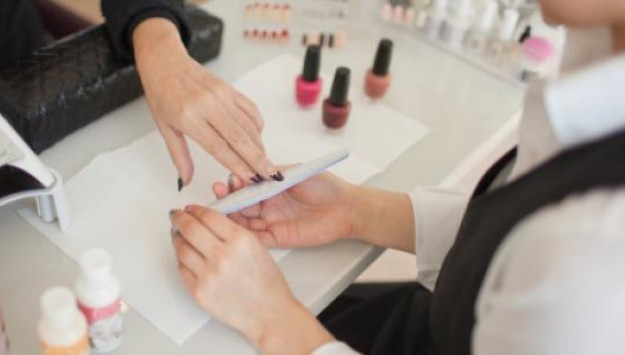 Nail Trends: Are Gel Manicures Safe?
