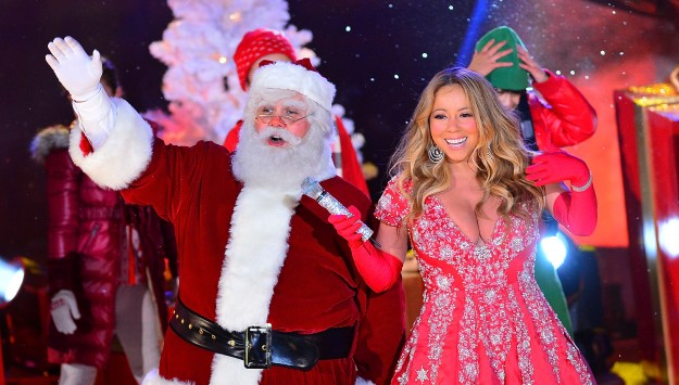 Mariah Carey's Questionable Holiday Ensemble