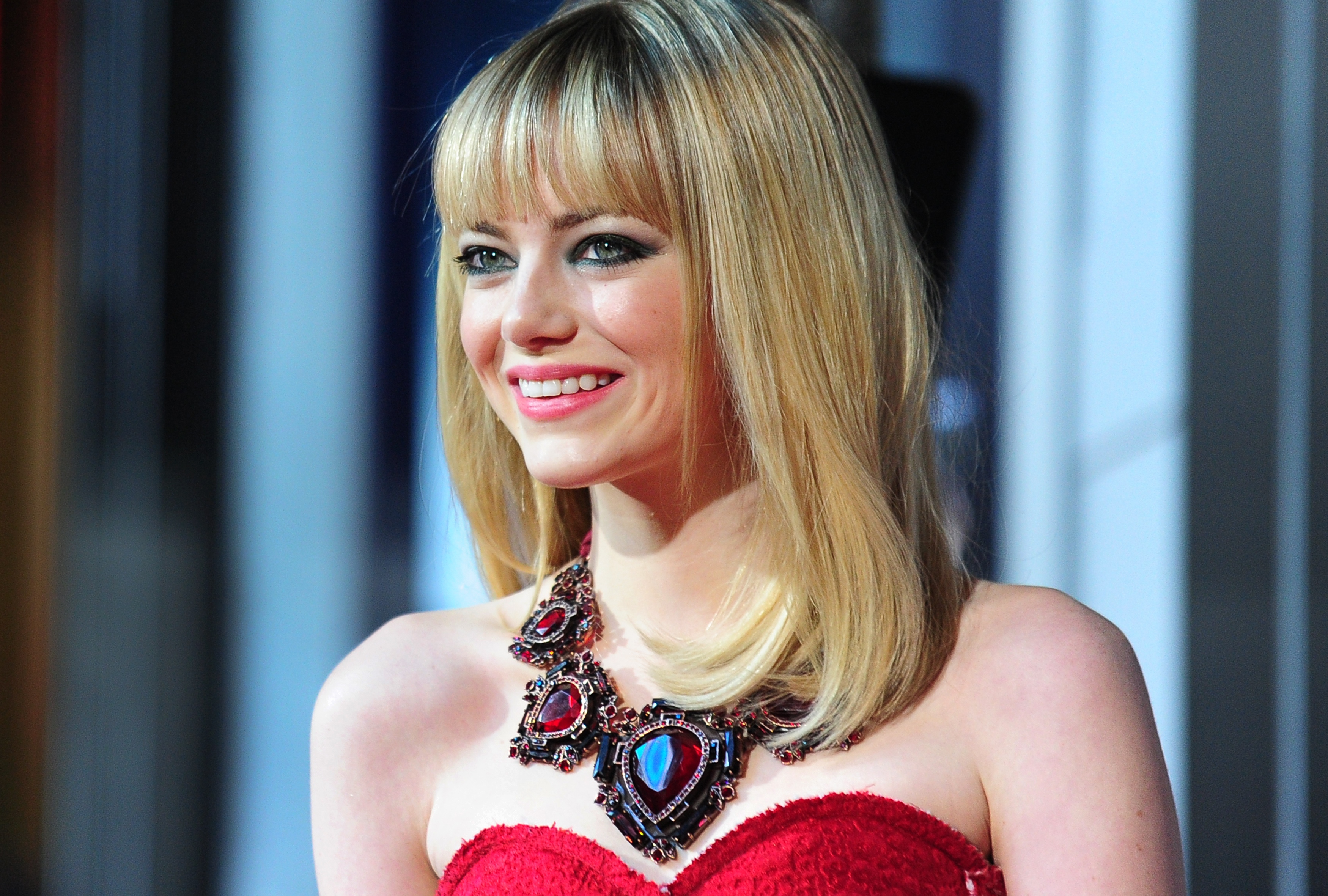 Emma Stone's Revlon and Chanel Red Carpet Look