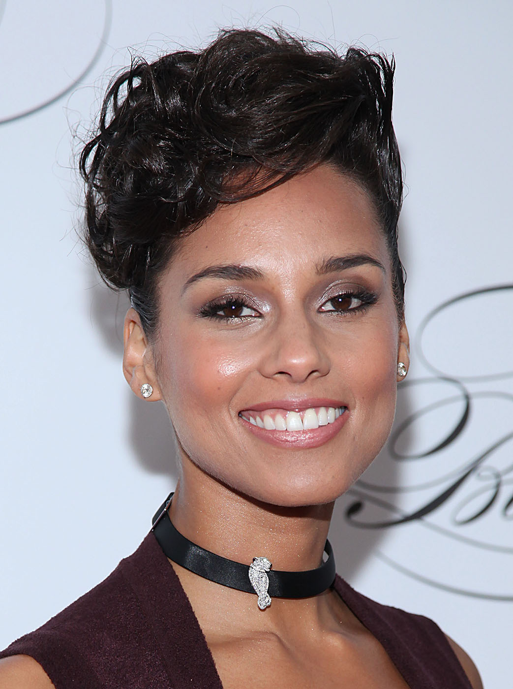alicia-keys-bad-skin-02-1363295461.jpg