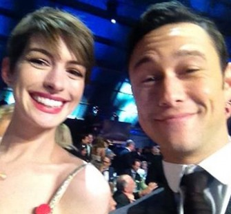 Anne Hathaway's Outfit is Saved by a Real Life Superhero!