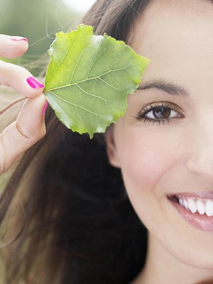 'Green' Beauty Decoded: Harmful Chemicals in Your Cosmetics And How to Avoid Them