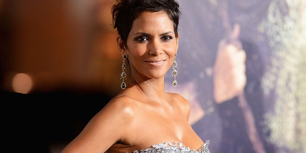 Halle Berry's Chanel and Revlon Red Carpet Look
