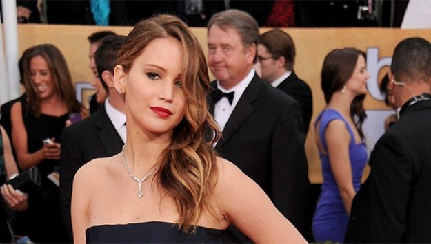 Did Jennifer Lawrence's Dress Rip at the SAG Awards?