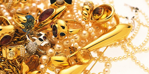 Learn How to Organize Your Jewelry