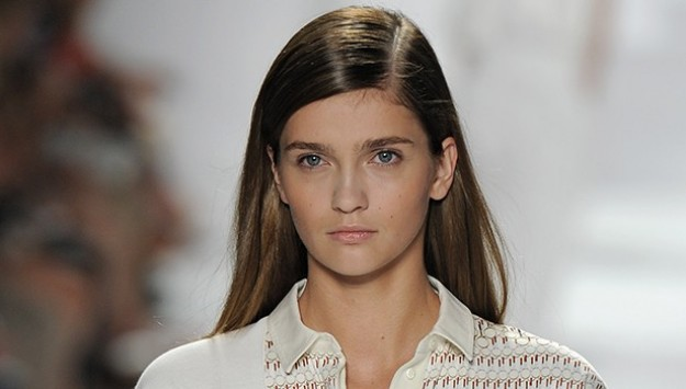 Hair How-To: Create the Perfect Spring Side Part