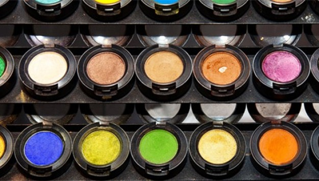 Recycled Beauty: How To Responsibly Dump Your Used Products