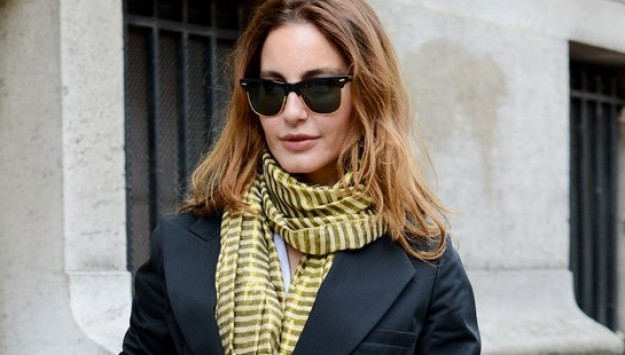 10 Ways To Wear One Scarf