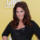 Get the Beauty Look: Hillary Scott at the Country Music Awards
