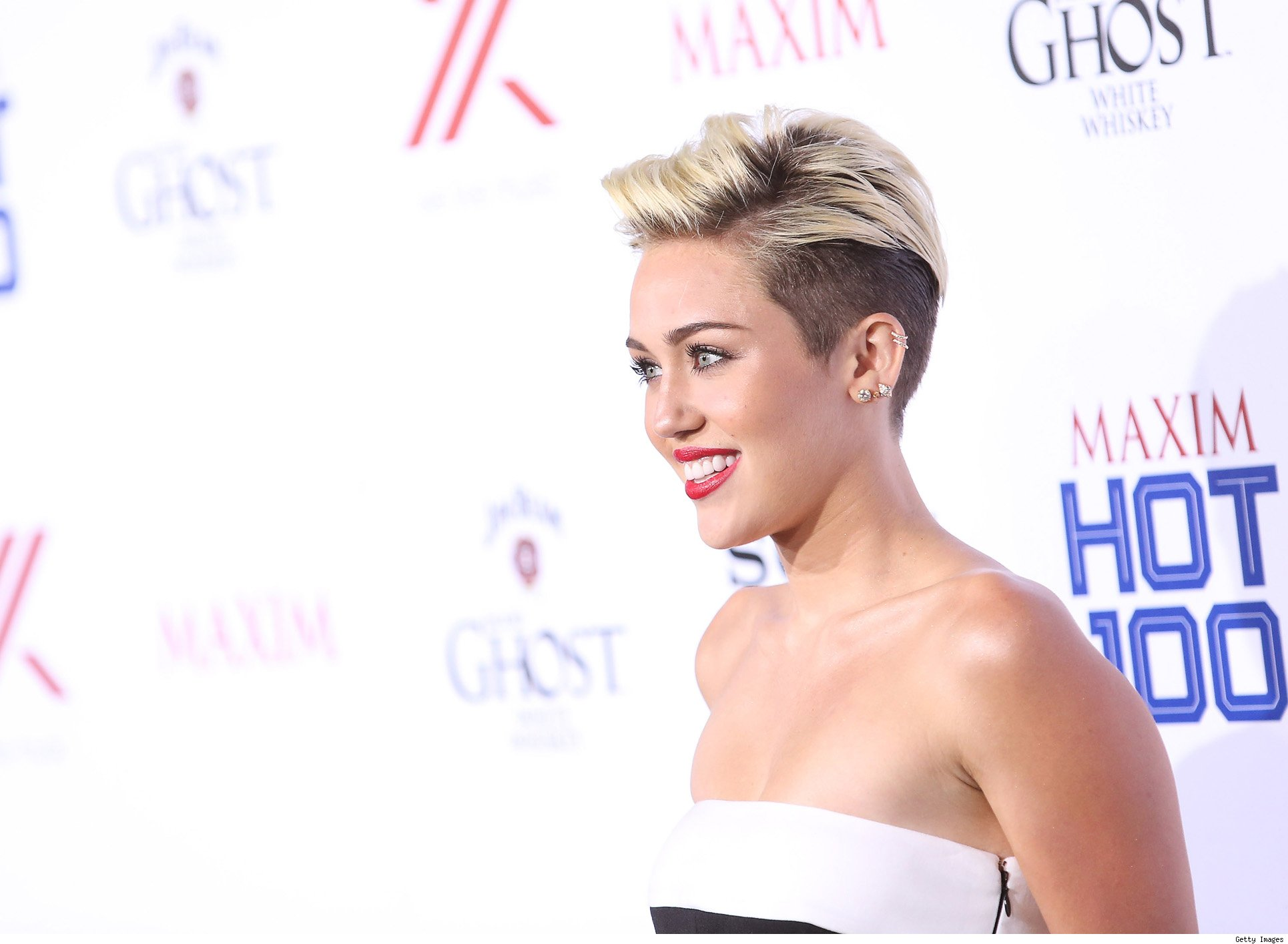 Top 9 at 9: Miley's Makeup Mishap, The Office Finale and More