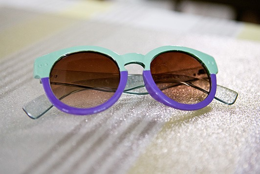 Pretty Savvy Two-Tone Sunglasses