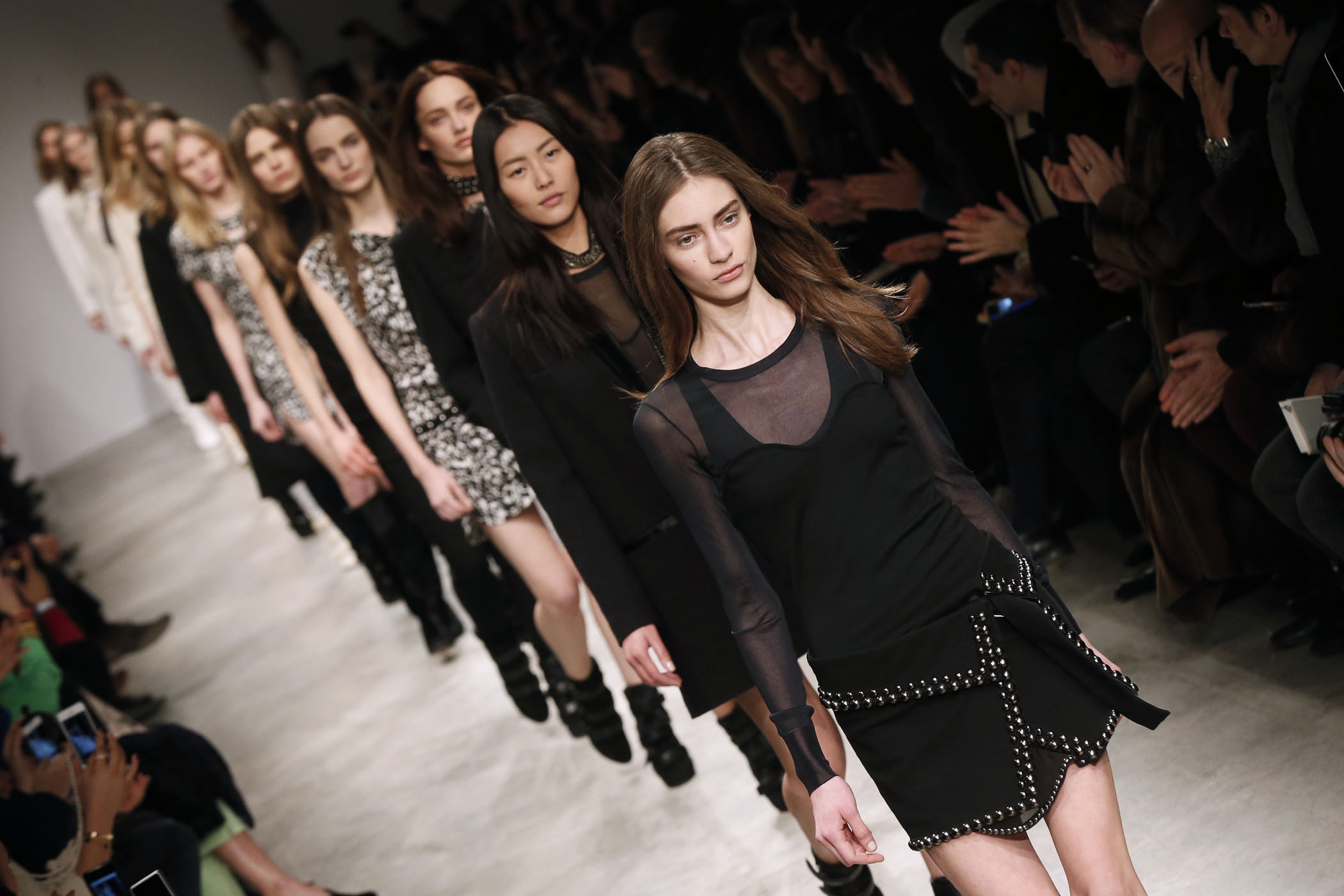 Top 9 at 9: Isabel Marant for H&M, Hillary on Twitter and More