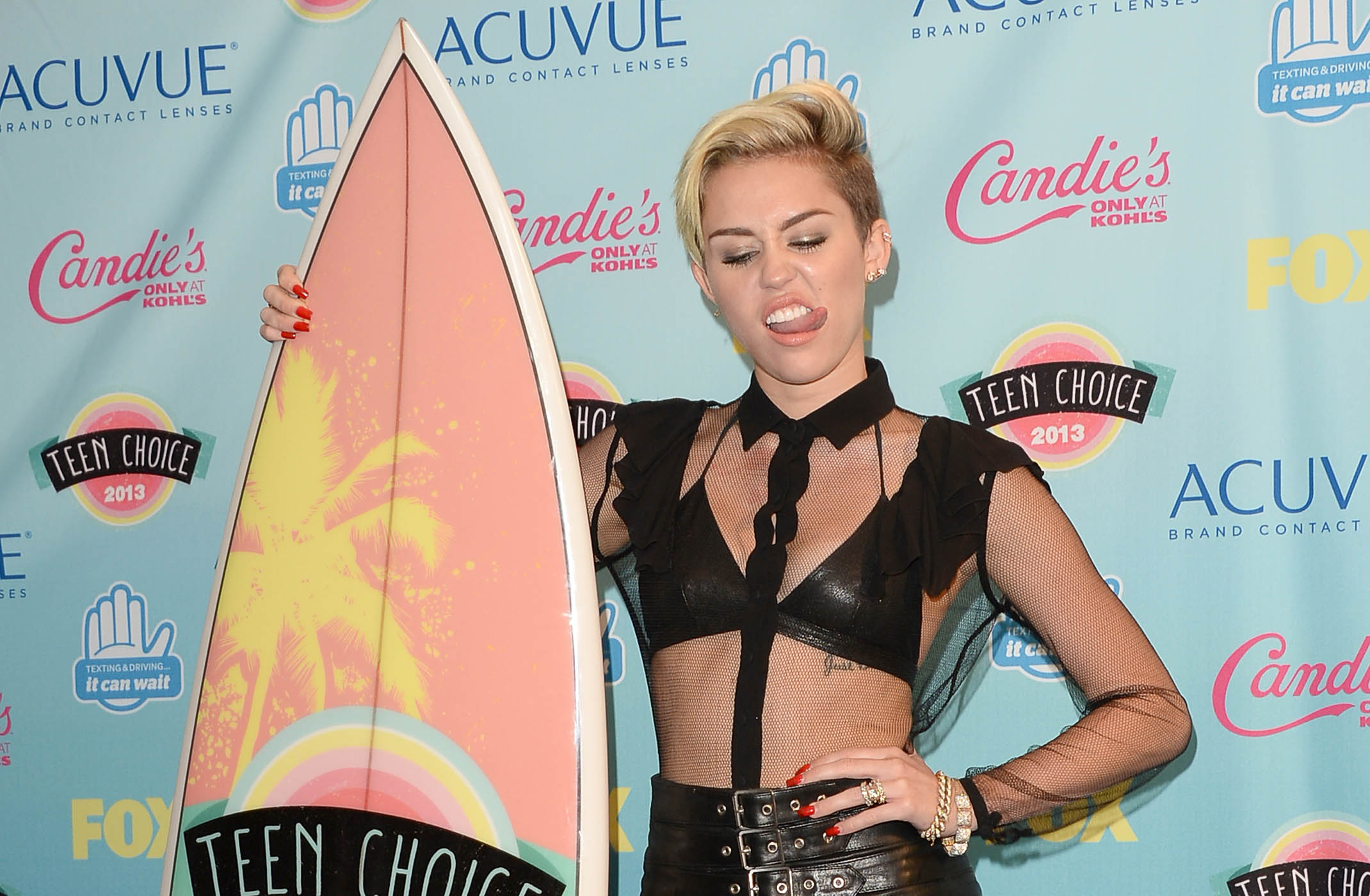 Top 9 @ 9: Miley in leather, Lea's emotional thank you and more