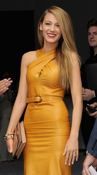 Look of the week: Blake Lively stuns next to Anna Wintour at Gucci Spring 2014
