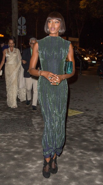 Top 9 at 9: Naomi Campbell stuns in Paris, Sandra Bullock leaves her mark and more