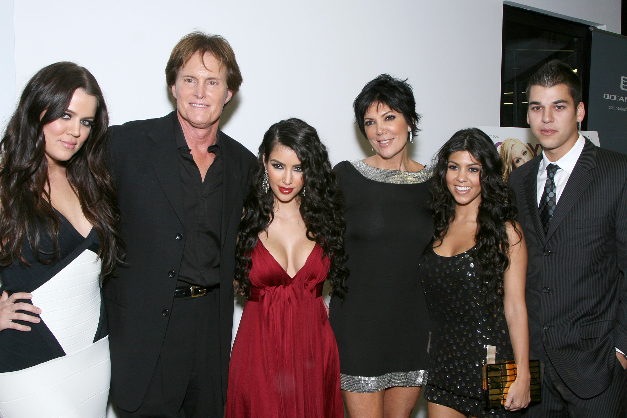 Top 9 at 9: Kris and Bruce Jenner call it quits, Kate Middleton asks for discount while shopping