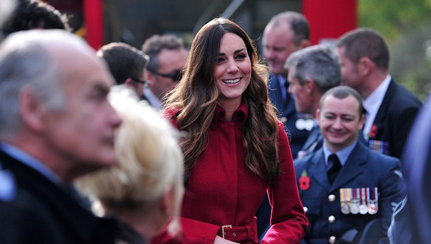 Kate and William shock commuters as they hop on a London bus