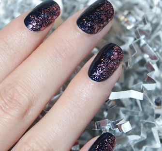 Beyond the red mani: 5 festive ideas for nails