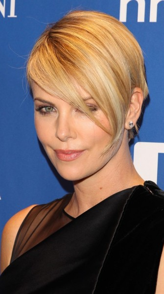 Displaying (19) Gallery Images For Charlize Theron Short Hair 2014...