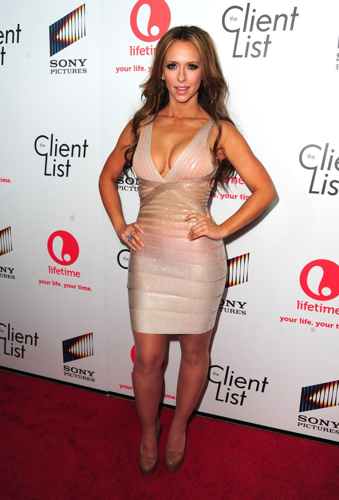Jennifer Love Hewitt's 5 sexiest looks