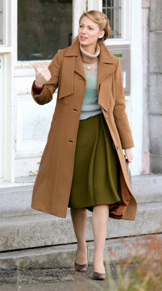 Top 9 at 9: Blake Lively goes retro on the set of her new movie, plus more fashion news