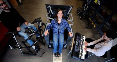 Emoti-Chair Brings Music to the Deaf