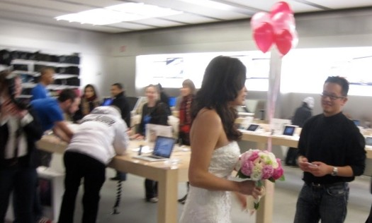First Apple Store Wedding Officiated by Mock Steve Jobs