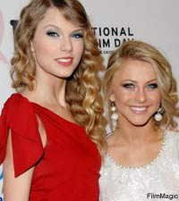 Taylor Swift, Julianne Hough