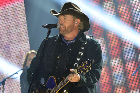Toby Keith Returns to Help Family, Friends in Moore, Oklahoma