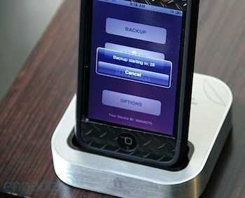 Iomega SuperHero iPhone Backup and Charger dock