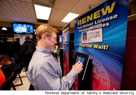 Tennessee drivers can use iPads to quickly renew drivers licenses