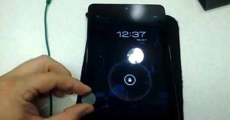 Nexus 7's Smart Coverlike magnetic sensors