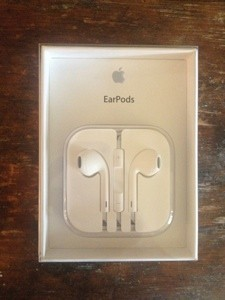 Apple EarPods a big improvement over original Earbuds