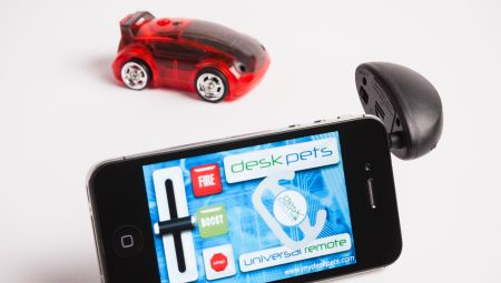 DeskPets' CarBot is a little iOScontrolled car