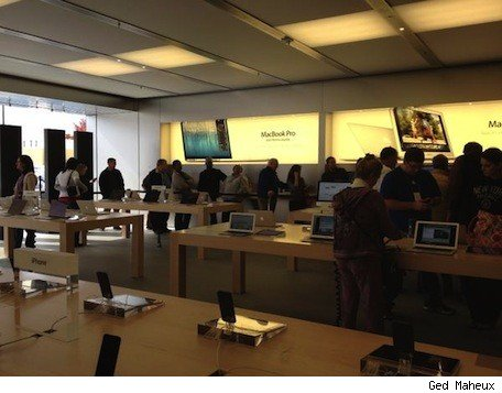 iPad minis sell out at 5th Ave Apple Store, moderate lines elsewhere