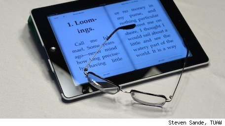 Backlit ereaders such as iPad help those with vision loss