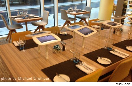 No Comment Elements restaurant installs iPads for customers to play with during meals