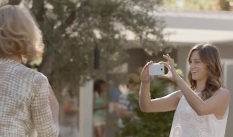 New Samsung Galaxy S4 commercial takes shots at the iPhone