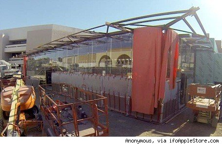 Construction continues on Stanford 2 Apple Store, revealing new design