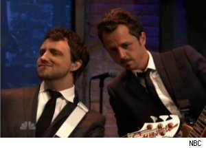 Giovanni Ribisi Plays Guitar with The Roots on 'Late Night'