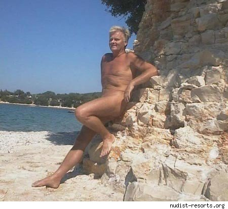 Our Favorite SFW Photos From Nudist Websites