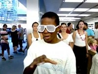 apple store vlogger kid
