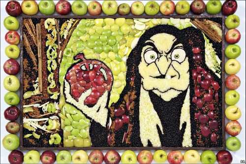 snow white with apples