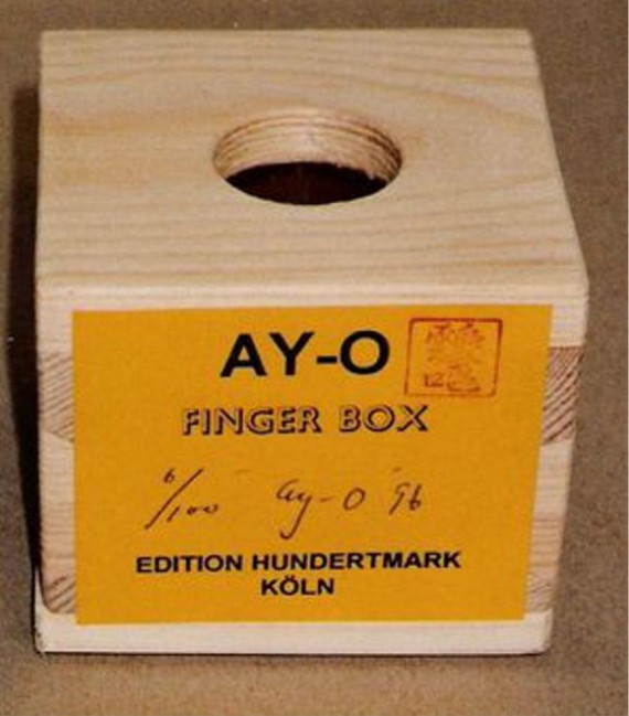 finger box by ay-o
