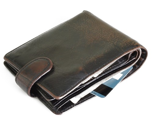 what not to keep in your wallet