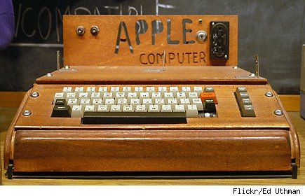original Apple 1 computer goes up on block
