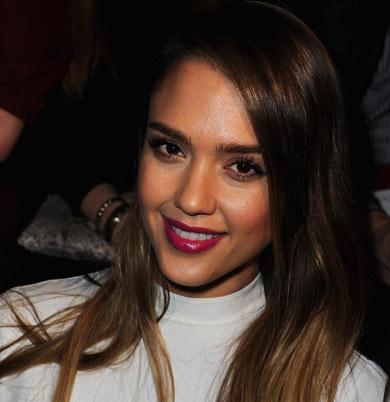 Jessica Alba's identity was hacked 
